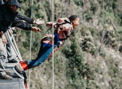 Bungy Jumping mit Face Adrenalin in Plettenberg Bay